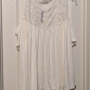 Maurice's Ivory Cold Shoulder Top size 2x